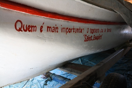 Barco do Seo Getúlio, na praia do Campeche (foto: Felipe Obrer)
